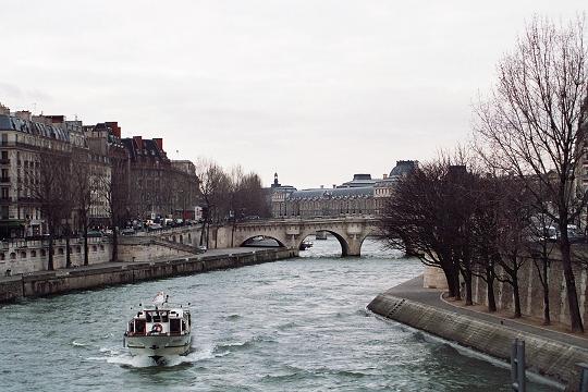 Difficile de passer son permis bateau à Paris ?
